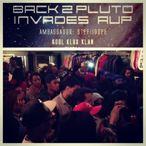 Packed house for the @Back2Pluto show at @ArtUndrPressure.