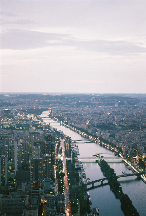 hellanne:  Paris (by kristina micova)