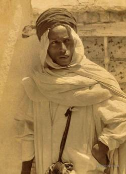 balkangirl:  76945-costume-research—and-more:  Mozabite Berber man. Algeria. 1860-1890 Photo by Nuerdin Feres Documentarist