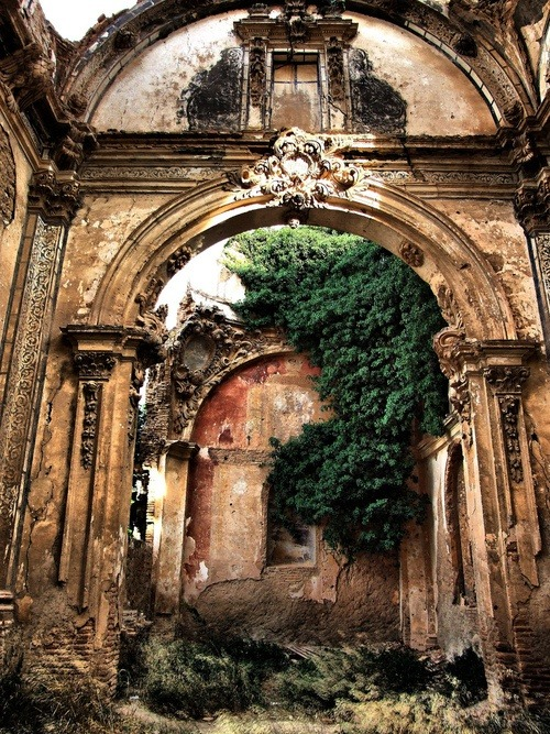lalulutres:  Ancient Arch, Zaragoza, Spain