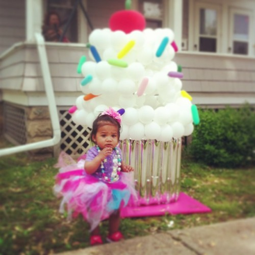 #firstbirthday #aballooncreation #princess #tutu #cupcake