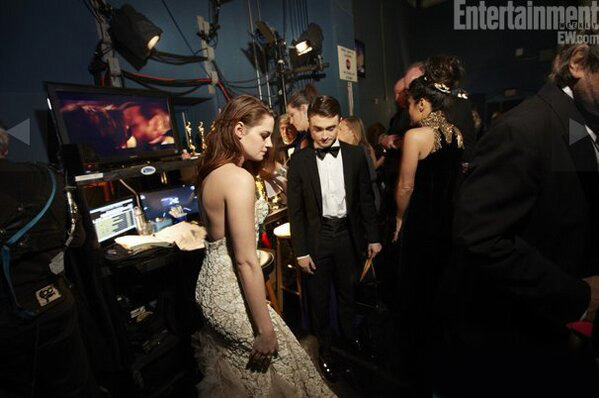 Daniel Radcliffe and Kristen Stewart | Oscars 2013 | backstage