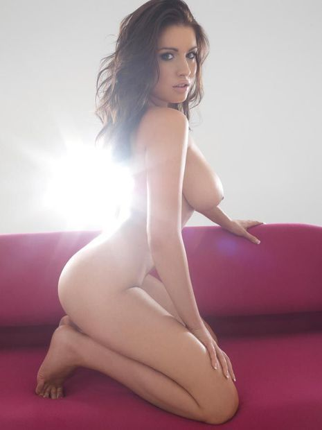 Who is giving me a boner today? Holly Peers.