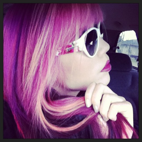 Side view of my #pink #hair and @sunglassshop @dolceandgabbana #sunglasses 🌸💐🌺