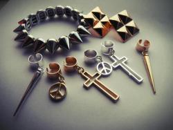 wavylines:   BRAND NEW PRODUCTS, All under £5 http://wavyjewellery.co.uk