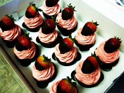 cupcakes order11 018 by Cupcakes Couture on Flickr.