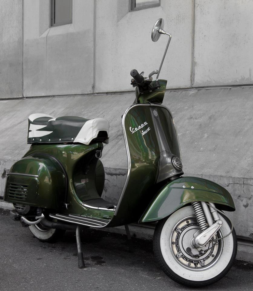 dailyvespa:  Green Vespa
