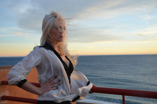 "A photo of my last photoshoot ""Luxury sunset"" with the model Alesandra Blánquez. You can watching the first photos on my facebook: http://www.facebook.com/media/set/?set=a.222483594557976.53929.141765819296421&type=1"