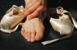 dancer-post:  Meanwhile underneath pointe shoes