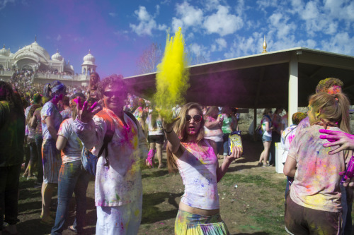 thecosmicoctopus:  the Holi festival in spanish fork utah