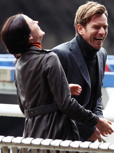 Eva and Ewan on set in Glasgow - Perfect Sense, 2011 [x]