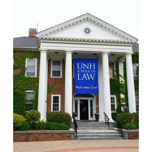 I am kind of really in love with my new school. 😄💕 @unhlaw
