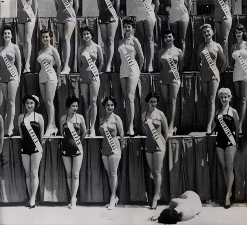 hollyhocksandtulips:  Miss New Zealand faints, Miss Universe Pageant, Long Beach, CA, 1954