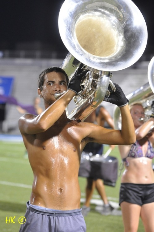 thatdrumcorpsguy:  drumcorps5ever:  thatdrumcorpsguy:  sadtubaplayer:  I was obviously really cold.  9/10 would smash  with a shovelMaybe even some empty glass bottles  The Dolan Dolan fued rages ok