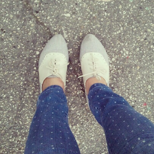 polkadottedcats:  I'm slowly unearthing all my warm weather shoes. shoes - Big Buddha pants - Forever 21
