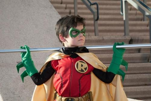 bluearrow126:  This is the cutest and most awesome Damian Wayne cosplay everby ComicChic19(click the link to the account for more awesome pictures)  Awesome cosplay is awesome!