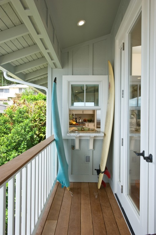 surf-surfer:  nice serving window to the porch walkway.