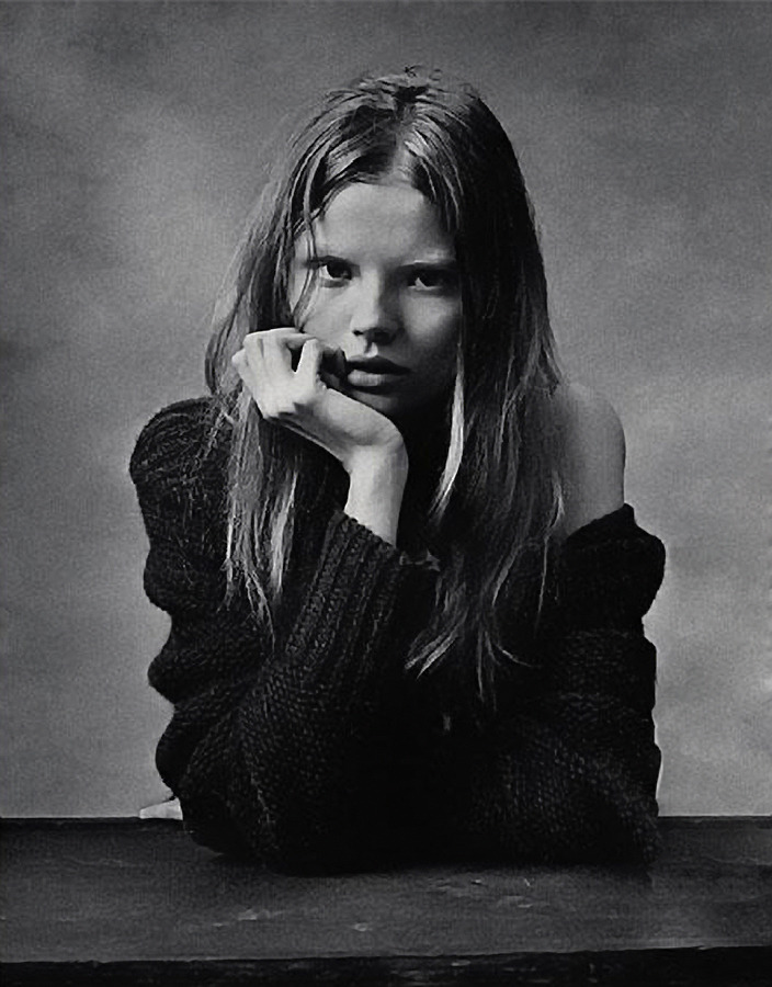 ra-magaria:  Magdalena Frąckowiak in Dazed & Confused August 2007
