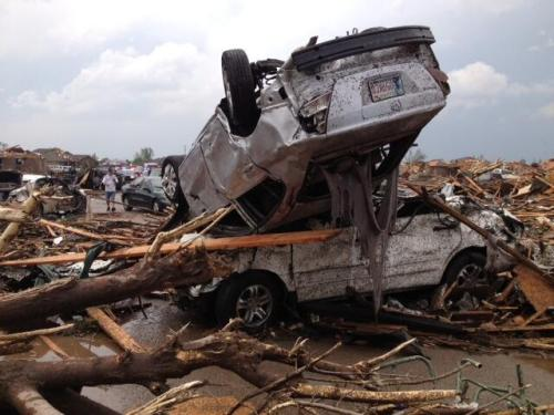 shuasblog:  Damage from today's tornado that swept through Oklahoma. via @Tiffany89
