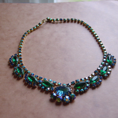 DeLizza and Elster Juliana Emerald Green Rhinestone NecklaceLast month at the St. Lawrence Market, one of the vendors had a shoebox full of the most amazing…View Post