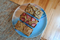 Greek Yogurt Banana Bread: original recipe - http://noshandnourish.com/content/greek-yogurt-blueberry-banana-bread