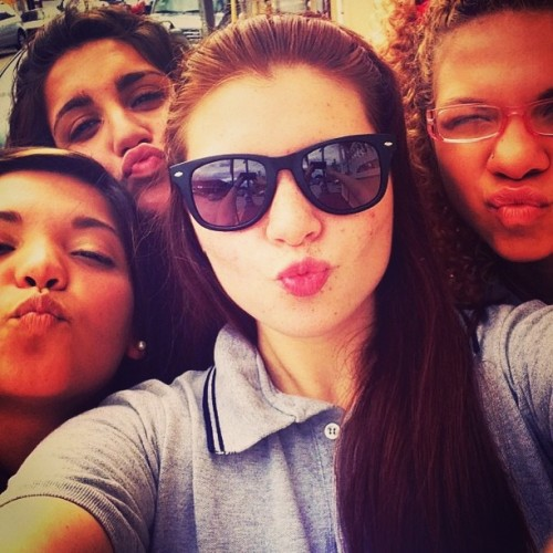 #brunettes #redhead #blonde #us #friends #fun #kiss #pueblo #papaspizza #blah