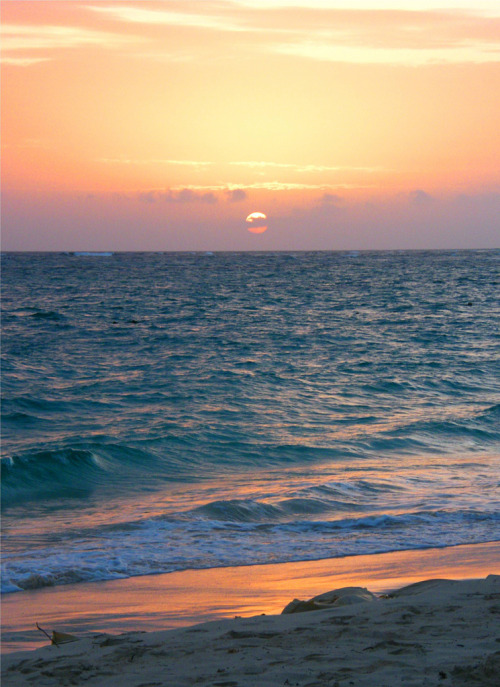 ethereo:  Colorful Beach Sunset (by Stanley Zimny)