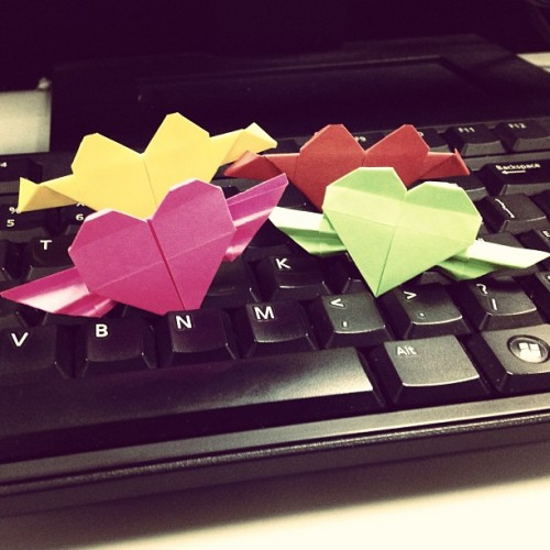 Because I'm somewhat bored and feeling artsy today. #paperhearts ❤💚💛💗😙