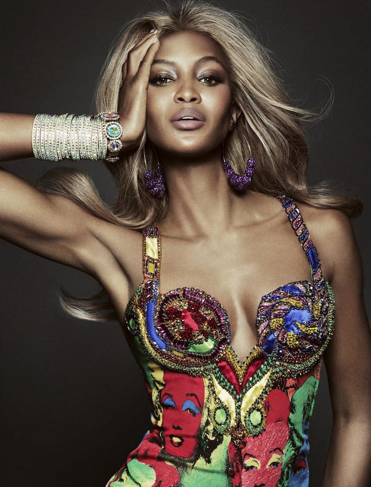 stylishstylist:  suicideblonde:  Naomi Campbell in Versace photographed by Tom Munro for Vogue Brazil, May 2013  stylishstylist.tumblr.com
