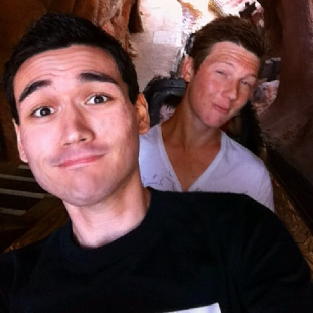 Splash Mountain! #splashmountain #disney #disneyland #disneycalifornia #disneylandcalifornia #fun #awesome #ride #water #log #crittercountry #howdoyoudo #wet #dork #matt #friends  (at Splash Mountain)