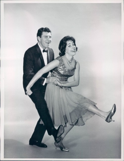robertpreston:  Robert Preston and Carol Burnett strike a pose for the 1963 special, An Evening with Carol Burnett.