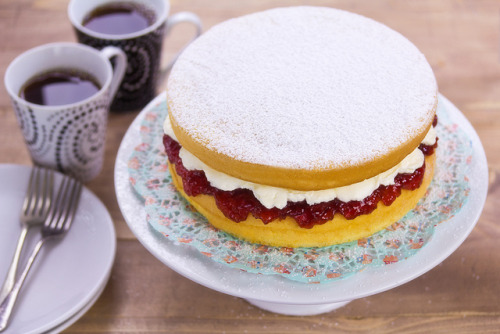 myfoodscrapbook:  Nana's sponge cake-1 by KLFoodStyle on Flickr.