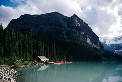 Lake Louise by hannahschmucker on Flickr.