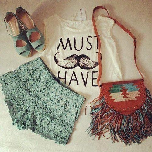dresses | Tumblr on We Heart It - http://weheartit.com/entry/55407270/via/Rafaela_Dantes