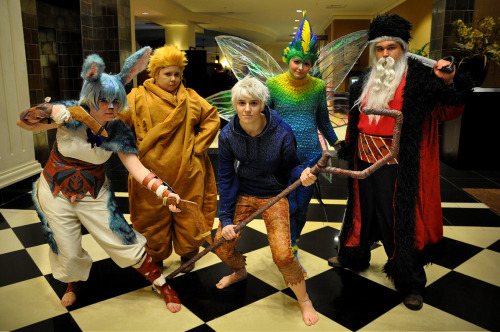 midnightcosplay:  zhellyzee:  My friends and I had an awesome Guardians group Saturday night of ACEN and it was such a blast!!! I hope we can all do it again at another con soon! :D Midnight Cosplay as BunnymundSidero as SandmanZhelly as Jack FrostTobie as ToothianaJonathan as NorthPhoto by Scott/TheClownStar  One of the biggest things I was looking forward to at Acen :) Full fledged RotG group. Plus, I truly wanted to cosplay with Zhelly and Tobie in their fantastic gear.  We actually found Sandy at con, she was fantastic. I loved cuddling with her! I'm super glad we managed to do this. Plus. i managed to smear chocolate on Zhelly's face >:3 i'm no kangaroo! i got my revenge on frost