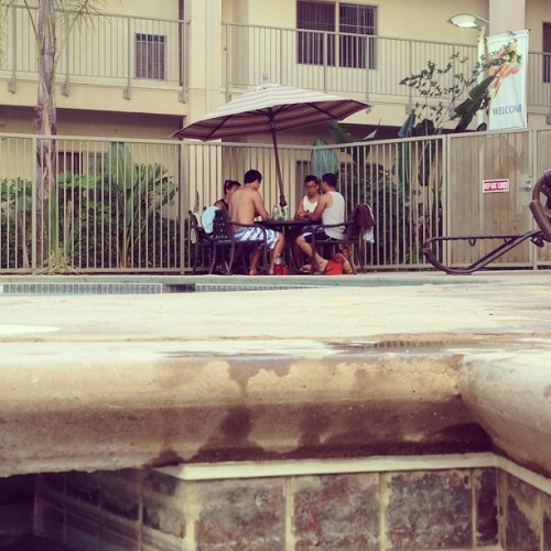 They came to my pool to play magic…. 😒 @gpokdbp @jonguo @jahhhvis @natelozano