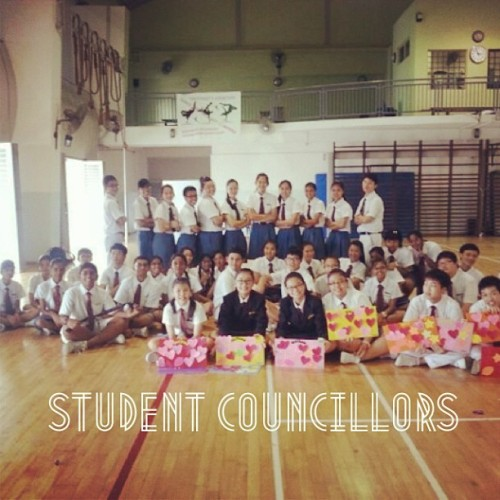 The student council family :)  #phototag #aprilphotos #memories #studentcouncil #juniors #excos #instagram #webstagram #photooftheday