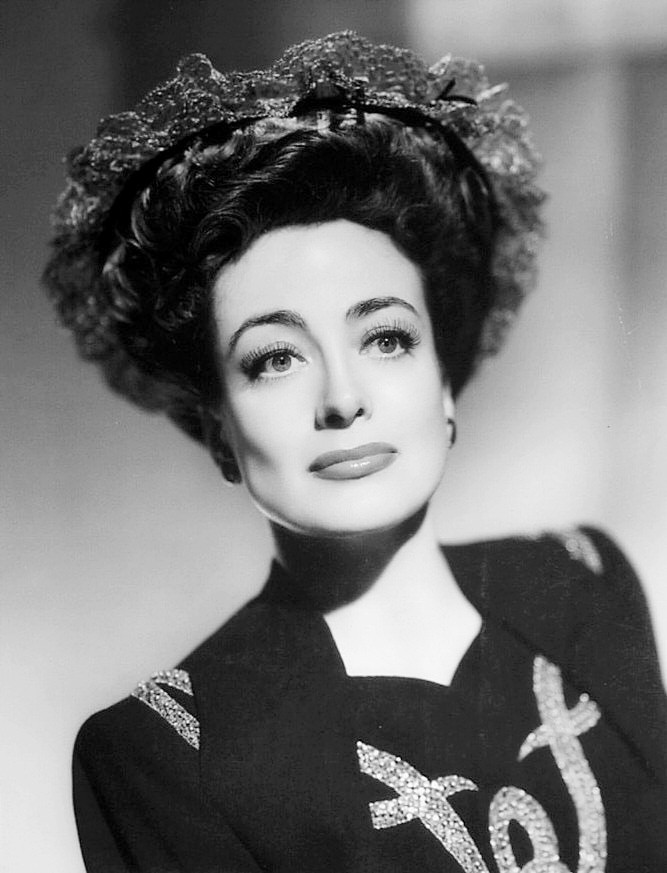 Joan Crawford, 1943
