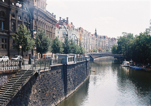 aphelia:  prague by _shazza_ on Flickr.