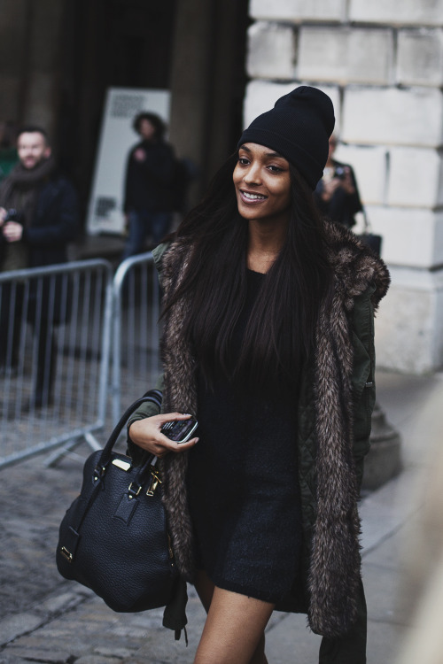 mightseehell:  Jourdan Dunn at LFW this afternoon