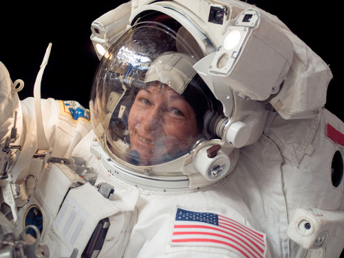 wnycradiolab:  First woman to command the International Space Station.  Such a great picture.