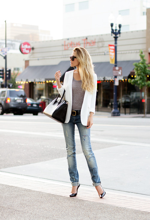 pretaportre:  Jennifer Grace, style blogger of The Native Fox, street style.