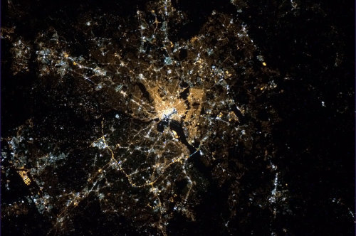 earth-as-art:   Washington, DC - the Beltway and the Mall both visible from Earth orbit.  - Commander Chris Hadfield