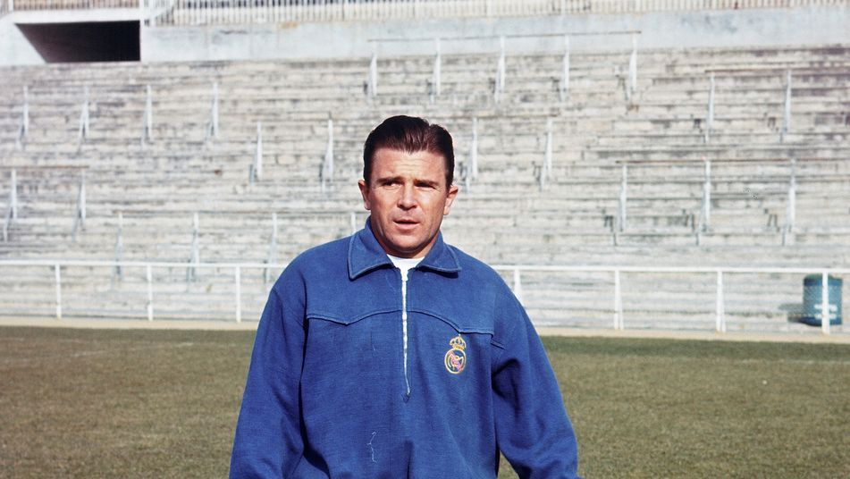 Real Madrid's Ferenc Puskas in training at the Santiago Bernabeu, 1964. Source: Teinteresa