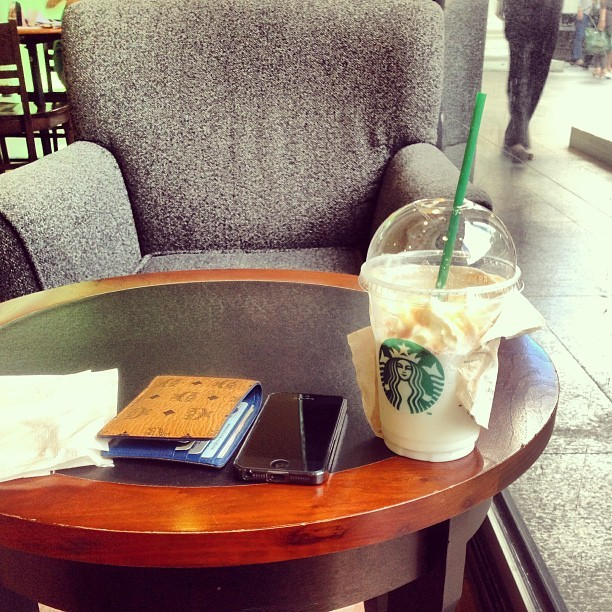 how long do i have to wait for …………. 😄😊 (at Starbucks (สตาร์บัคส์))