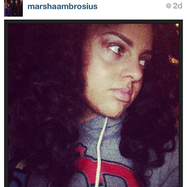 Queen @marshaambrosius in our #Queen Abstract hoodie in gray. Thanks for your continuous support. www.kingsruletogether.com #marsha #marshaambrosius #martians #soulmusic #r&b #queensinspirekings #QueensRuleTogether #QRT #KRT