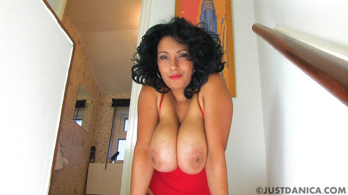 Do you love milfs with big natural 34gg tits?