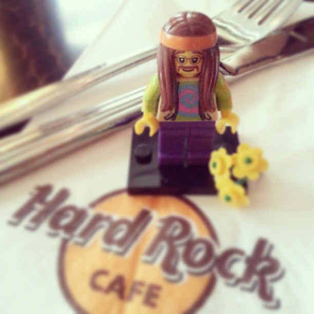 #Woodstock #LEGO #minifig at #HardRockCafe (at Hard Rock Cafe Oslo)