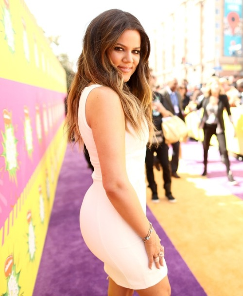 3/23/13: Khloe at the KCA's