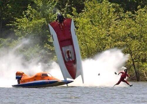 perfectly-timed-pics:After flipping his new speedboat - Jesus quickly fled the sceneOMG. And the caption…LOL.